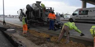 Embedded thumbnail for 17-02-2020 - Budowa ścieku przykrawędziowego na S17 w km 24+220.