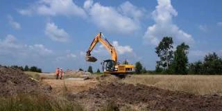 Embedded thumbnail for 20-07-2018 - Zabezpieczenie linii gazowej na wjeździe na plac budowy w km. 26+200 w miejscowości Gadka.