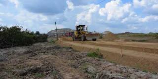Embedded thumbnail for 27-07-2018 - Budowa nasypu na bypassie DK 50 w miejscowości Człekówka.
