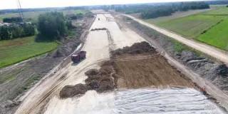 Embedded thumbnail for 31.08.2018 - Rozpoczęcie robót stałych w rejonie ZB 21 i na obiekcie WD 9 Węzeł Kołbiel.