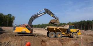 Embedded thumbnail for 07-09-2018 - Roboty ziemne przy budowie zbiornika ZB19 i profilowanie rowów odwadniających w km 20+367.
